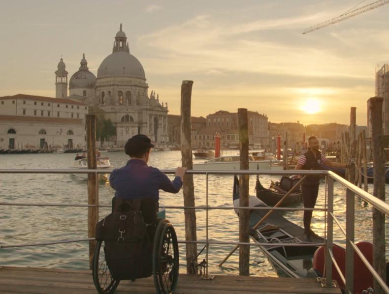 The Wheelchair Roadmovie – Over the thresholds van Europa